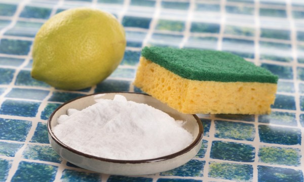 4 DIY natural cleaning products