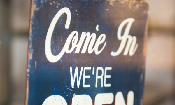 How to make money starting a sign business
