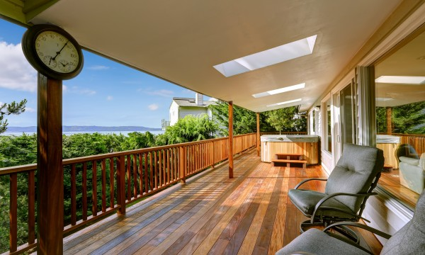 Know how to buy the right deck stain