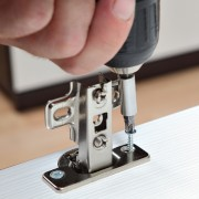 Pro tips for fitting a simple hinge to a door