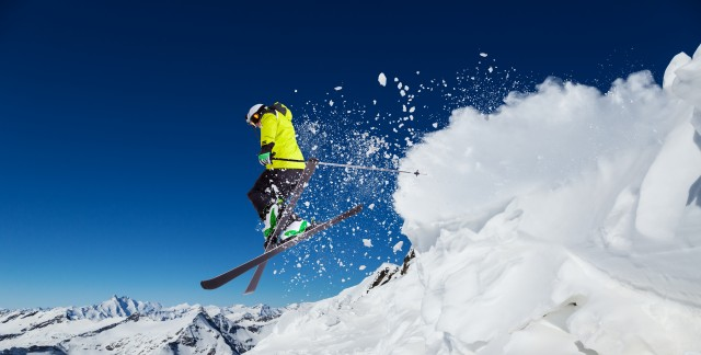 4 top Canadian ski destinations for thrill seekers
