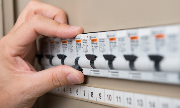An introductory guide to home electricity