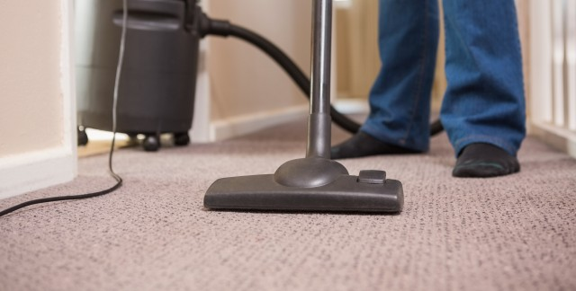 Easy ways to vacuum and clean your rugs