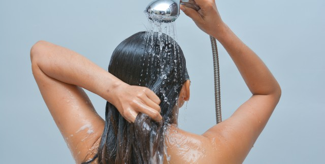 3 great homemade shampoos for oily hair