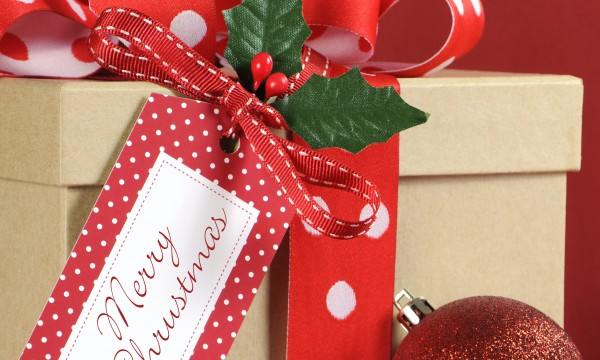 Eco-friendly alternatives to traditional gift-wrapping