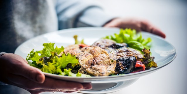 This aromatic chicken is loaded with superfoods