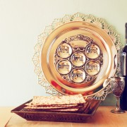 4 gifts to bring to a Passover seder