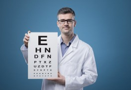 How to choose foods that can help prevent eye disorders