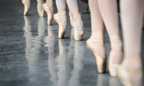 5 reasons why your child should take ballet lessons