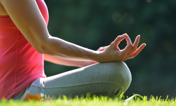 4 ways meditation helps ease anxiety