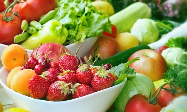 4 easy ways to eat organically for less
