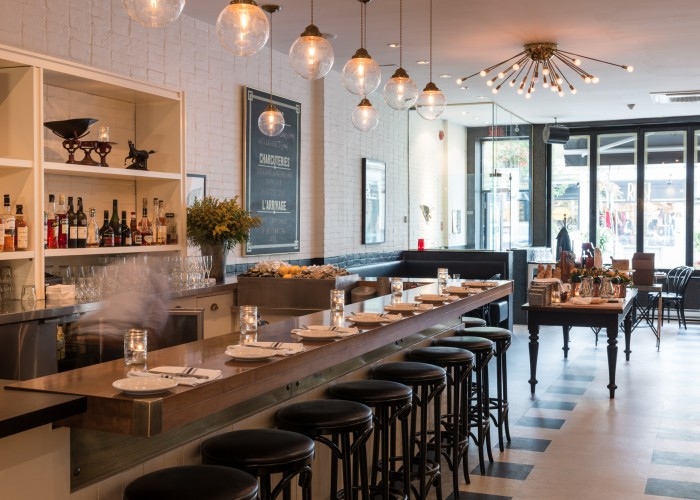 Central brasserie, Westmount, Montreal, Portuguese inspiration meets warm New-York decor.