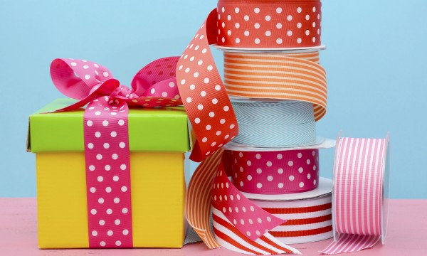 Elegant gift wrapping on a budget