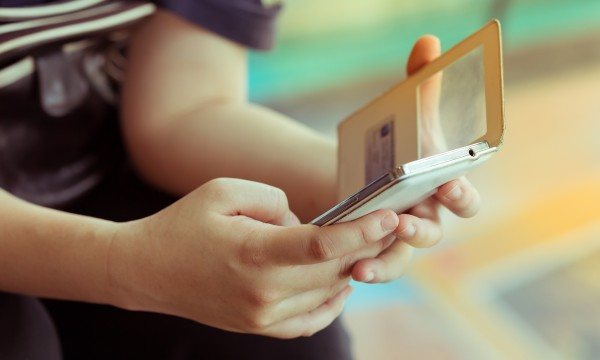 Pay with your smartphone: using apps to leave your wallet behind