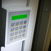 4 home security precautions you should always take when house sitting