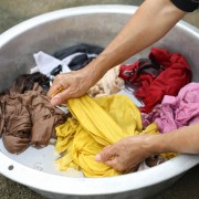 7 ways to remove clothing stains