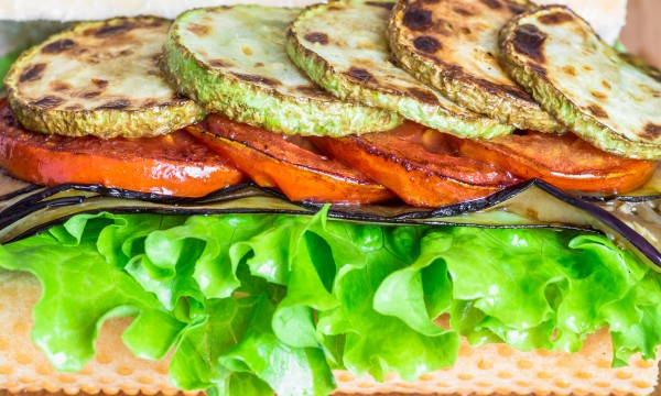 2 tasty grilled-veggie sandwich recipes that hit the spot