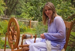 Easy instructions for using a spinning wheel