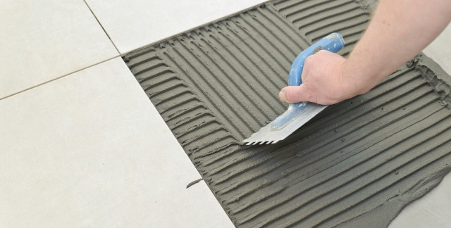 How to lay down ceramic tiles