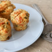 Homemade muffin recipes: herb bacon and apple raisin