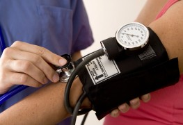 Treating high blood pressure with lifestyle and diet changes