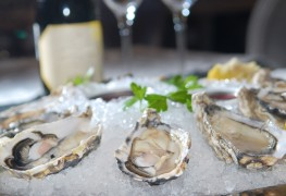 Your go-to-guide for preparing and serving oysters