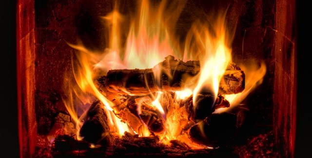 How to clean and light a fireplace and choose a fire extinguisher
