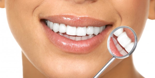 3 reasons you should exercise caution with teeth whiteners
