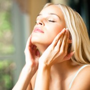 Oily skin dos and don'ts: how to best care for oily skin