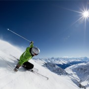 5 essential safety tips for skiers