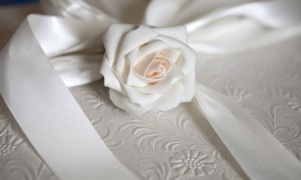 Proper Etiquette For Wedding Gifts: Proper Etiquette For Setting Up A Wedding Registry Gift
