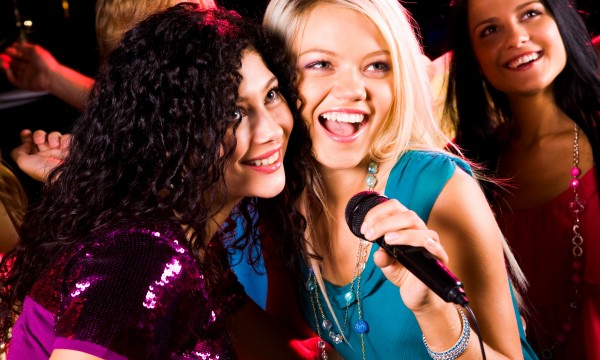 build a karaoke room in your home smart tips
