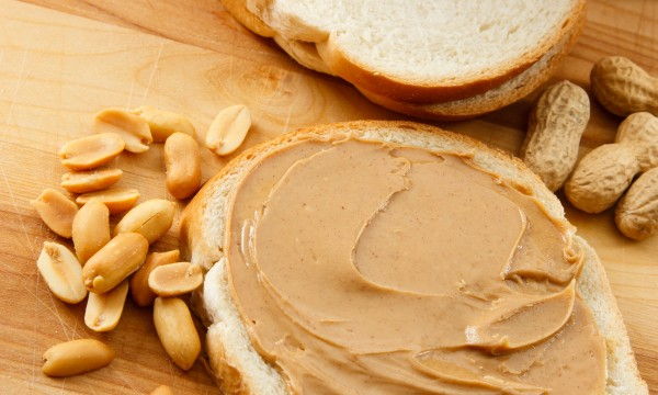 Oatmeal-peanut butter trail bars