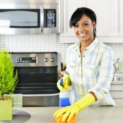 A 9-step green kitchen cleaning routine