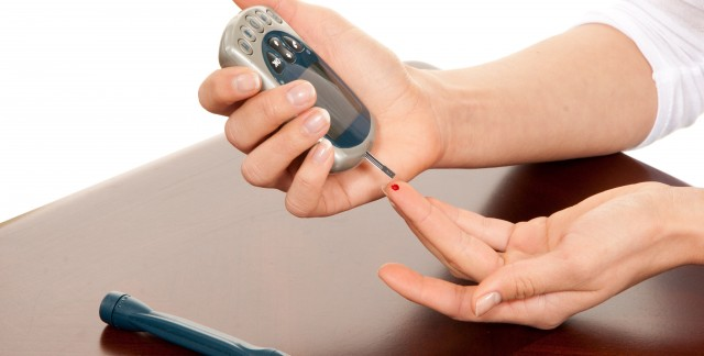 How to monitor your blood sugar and insulin