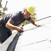 4 pointers for minor roof repairs