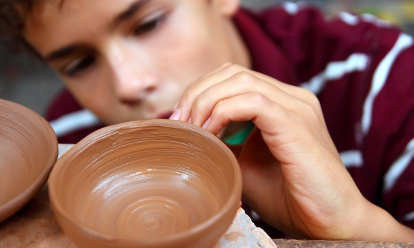 Tips for mastering pottery with your bare hands