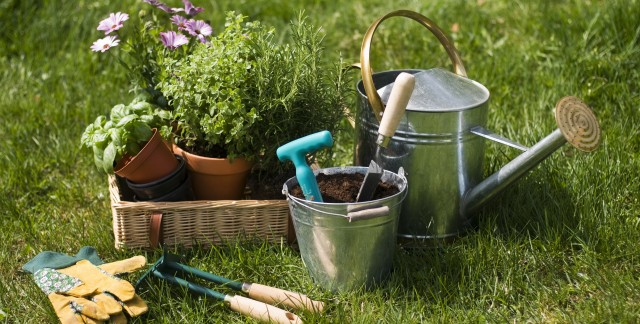 Methods for maintaining garden tools