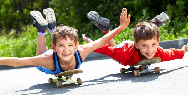 Kids' Games: How to Skateboard, Hula Hoop and Throw a Frisbee