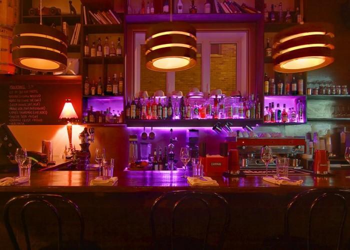 Les Affamés is known for its delicious cocktails.