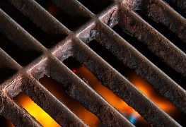 Choosing the right BBQ grate and cleaning tools