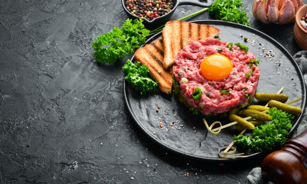 How to make classic beef tartare