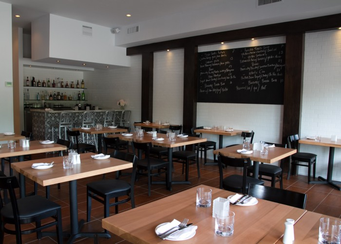 Bistro Grace has a welcoming, modern and refined décor.