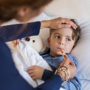 How do I know if my child has COVID-19 or a cold?