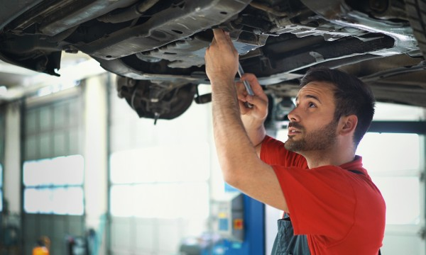 12 important questions to ask when you call a car mechanic