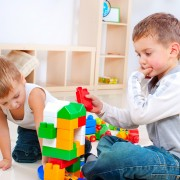 Choosing the right toys for your kids' development