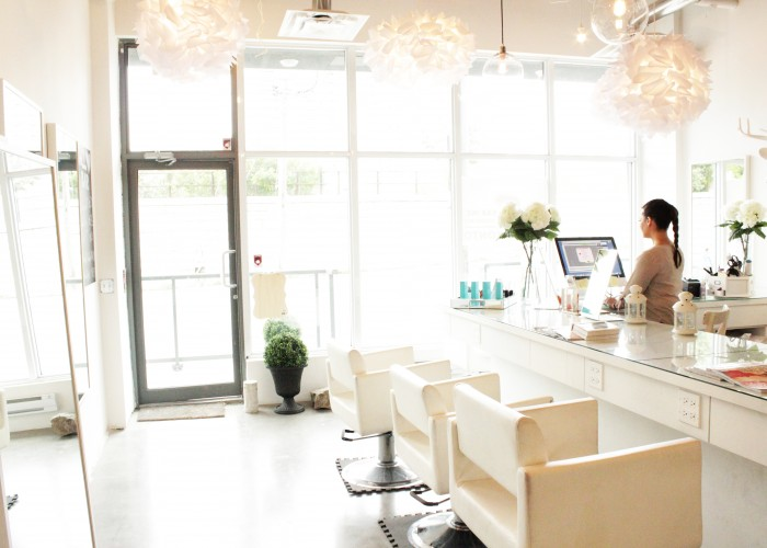 Doll Bar Inc., is a glamorous hair salon on Queen West specializing in hair extensions.