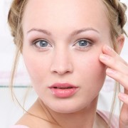 Plastic surgery options for repairing drooping eyelids