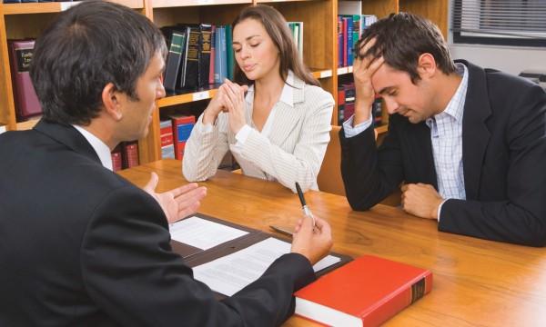 During a divorce: 5 essential things a lawyer can do for you