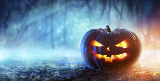 Haunted Halloween tours and attractions across Canada